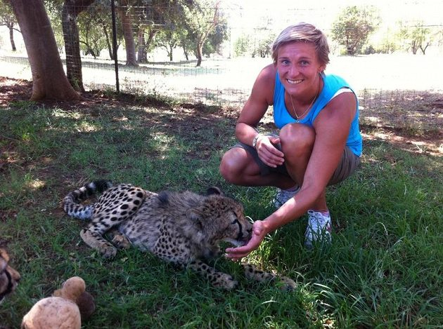 Nedaleko od Potchefstroomu je safari, kde si Barbora Špotáková mohla pohrát i s malými šelmami.
