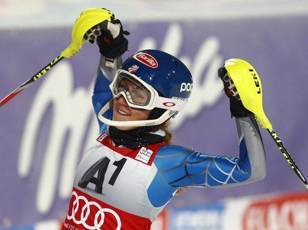 Slalomářka Mikaela Shiffrinová z USA ovládla závod Světového poháru ve Flachau.