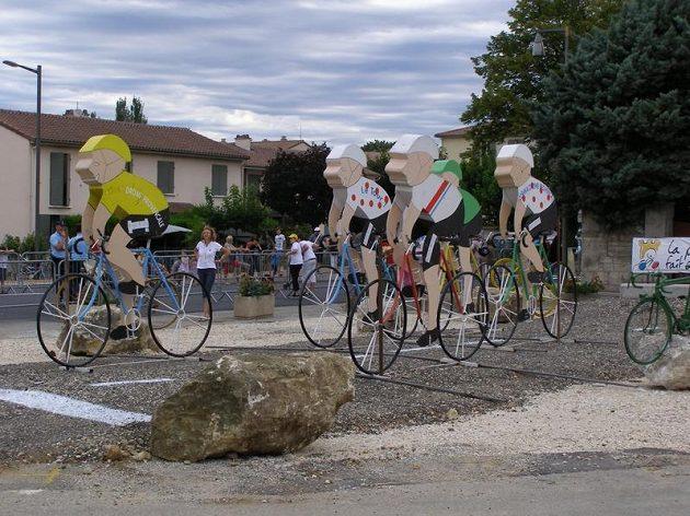 Cyklistikou žije náměstí každého městečka, jímž Tour de France projíždí.