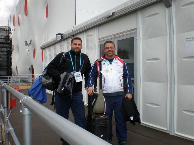 Rychlopalník Martin Strnad (vlevo) s trenérem Břetislavem Putnou.