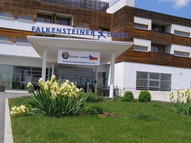 Hotel Falkensteiner, kde budou od neděle čeští fotbalisté na soustředění před ME.