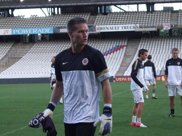 Brankář Tomáš Vaclík na tréninku v Lyonu.
