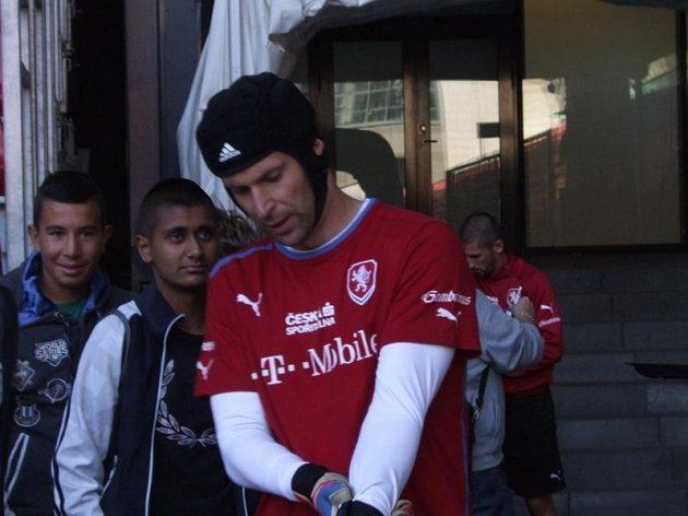 Petr Čech před tréninkem na kodaňském Parken Stadionu.