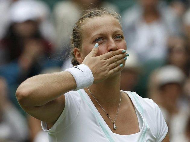 Radost Petry Kvitové po výhře v úvodním kole letošního Wimbledonu