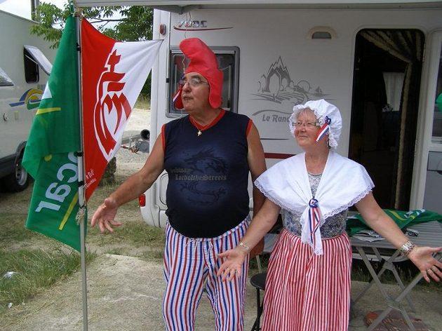 Jedni z nejvěrnějších fanoušků na Tour de France. S karavanem kočují podél trati rok co rok alespoň týden.