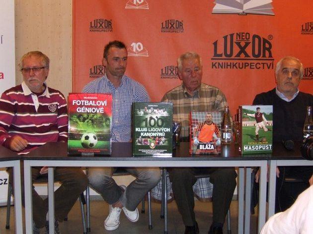 Zleva Milan Macho, Jaromír Blažek, Josef Masopust a Petr Feldstein s novými knihami.