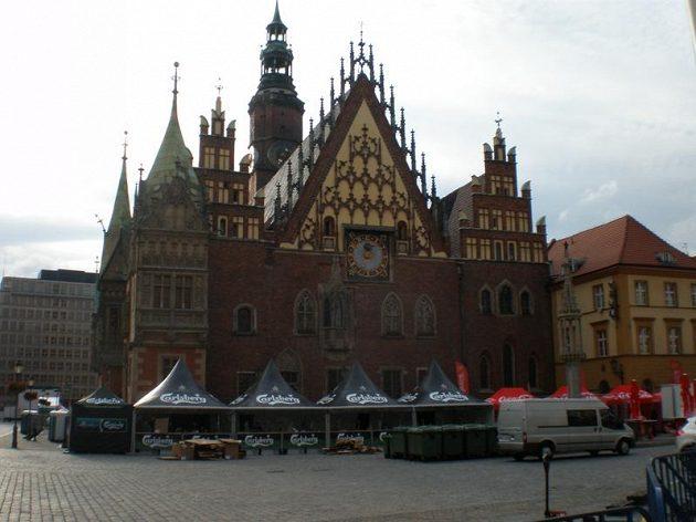 Radnice ve Vratislavi před zahájením evropského šampionátu.