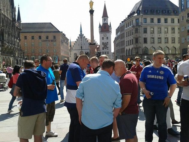 Příznivci Chelsea byli v centru Mnichova ve výrazné menšině.