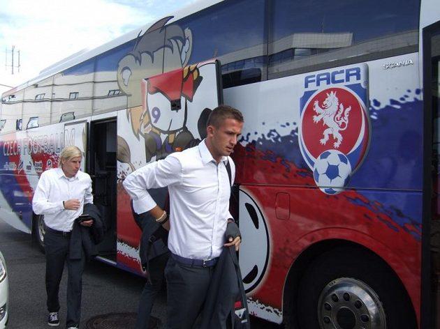 Tomáš Pekhart (vpravo) a František Rajtoral před odletem do Dánska.