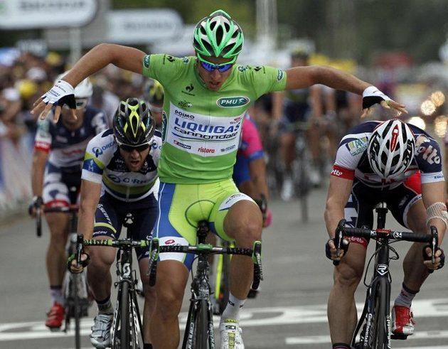 Peter Sagan pobláznil Slovensko, když vyhrál z úvodních šesti etap tři.