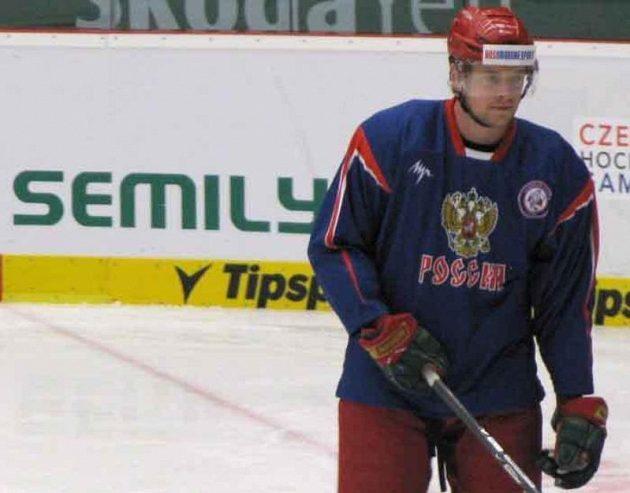 Ilja Nikulin na tréninku ruských hokejistů