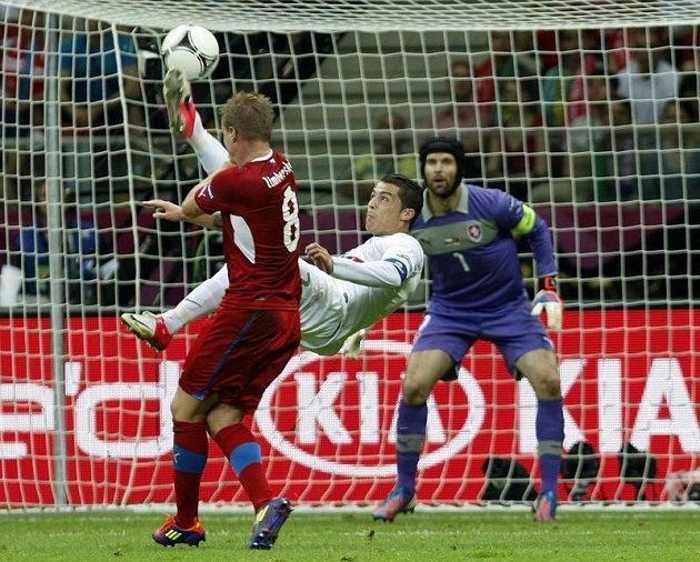 Ronaldo vystřihl nůžky, obránce David Limberský jen přihlížel