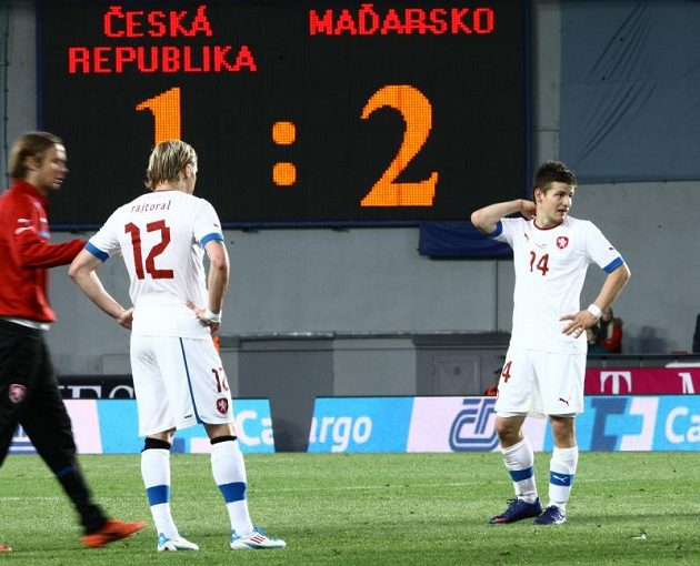 Smutní fotbalisté František Rajtoral (vlevo) a Václav Pilař