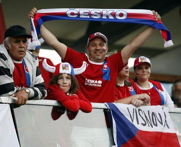 Čeští fanoušci tým proti Izraeli vytrvale podporovali.