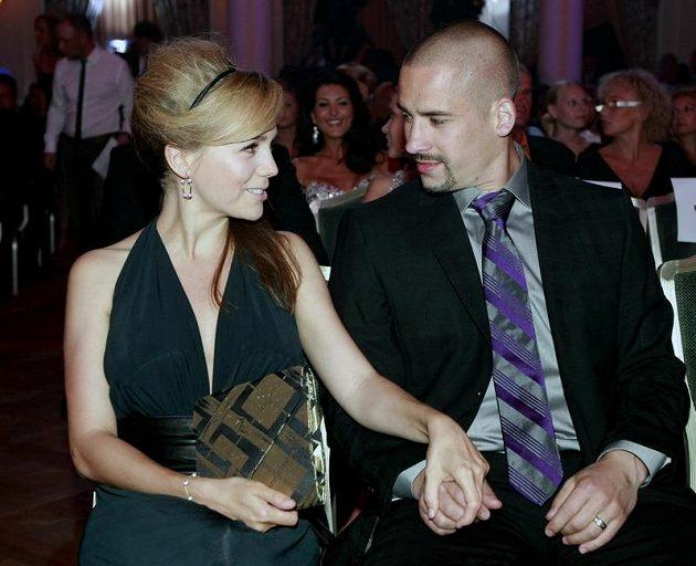 Tomáš Plekanec s manželkou Lucií Vondráčkovou.