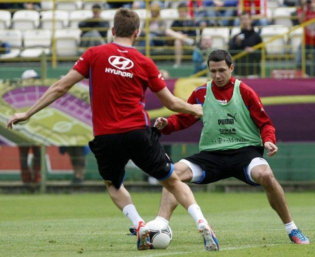 Marek Suchý a Tomáš Pekhart na tréninku českého týmu po zápase proti Řecku
