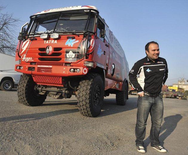 Aleš Loprais se svou závodní Tatrou, na které absolvuje Rallye Dakar.