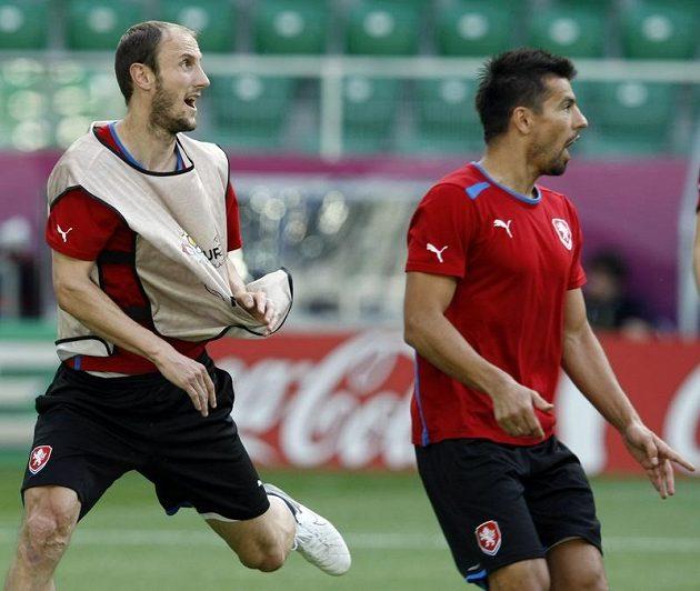 Roman Hubník a Milan Baroš na tréninku fotbalové reprezentace před zápasem s Polskem