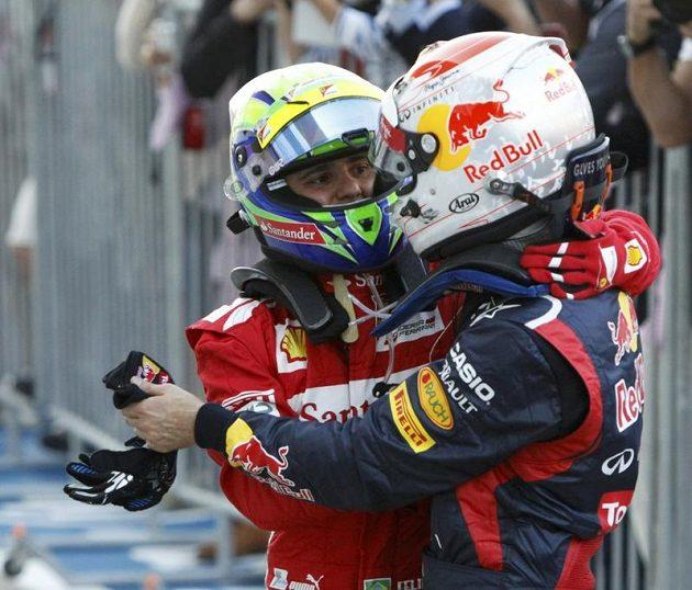 O největší překvapení se v Japonsku postaral Felipe Massa (vlevo), který dojel hned za Vettelem.