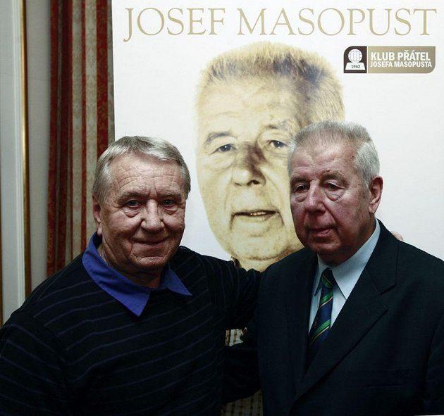 """Josef Masopust (vpravo) spolu s dalším """"Chilanem"""" Josefem Jelínkem."""