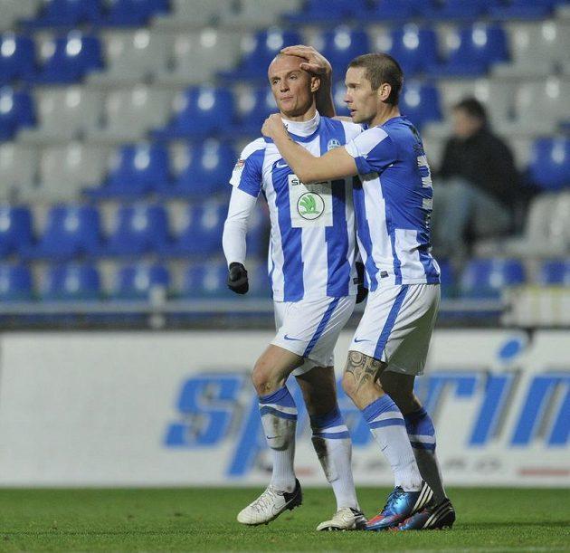 Autor druhého gólu Mladé Boleslavi Martin Nešpor (vlevo) a jeho spoluhráč Martin Fillo.