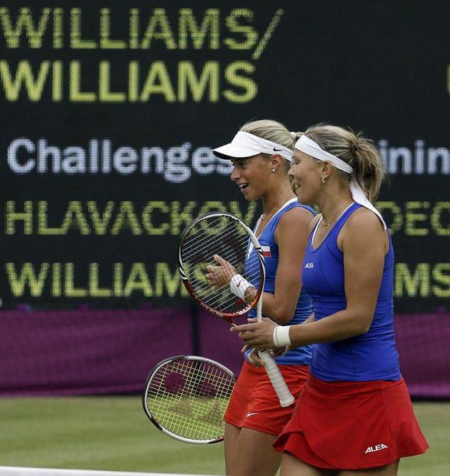 Ty Williamsky... Andrea Hlaváčková (vlevo) a Lucie Hradecká si na americké sestry nepřišly.