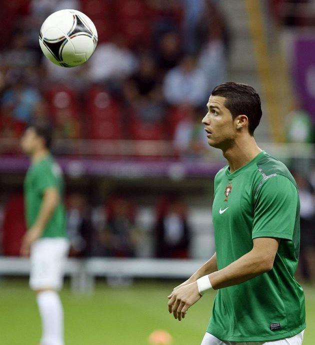 Cristiano Ronaldo před čtvrtfinálovým zápasem proti Čechům v polské Varšavě