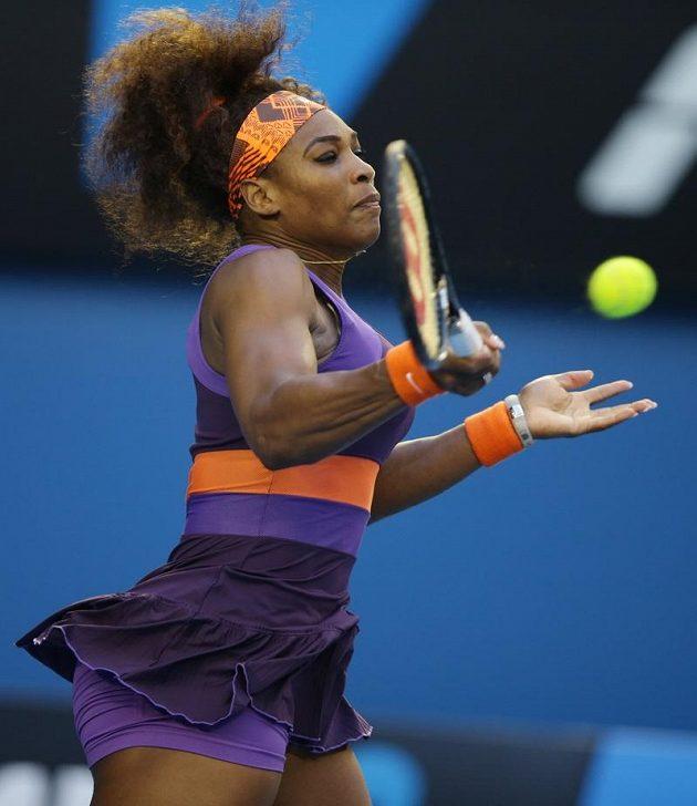 Ani Serena Williamsová neměla s postupem do čtvrtfinále Australian Open vážnější potíže.