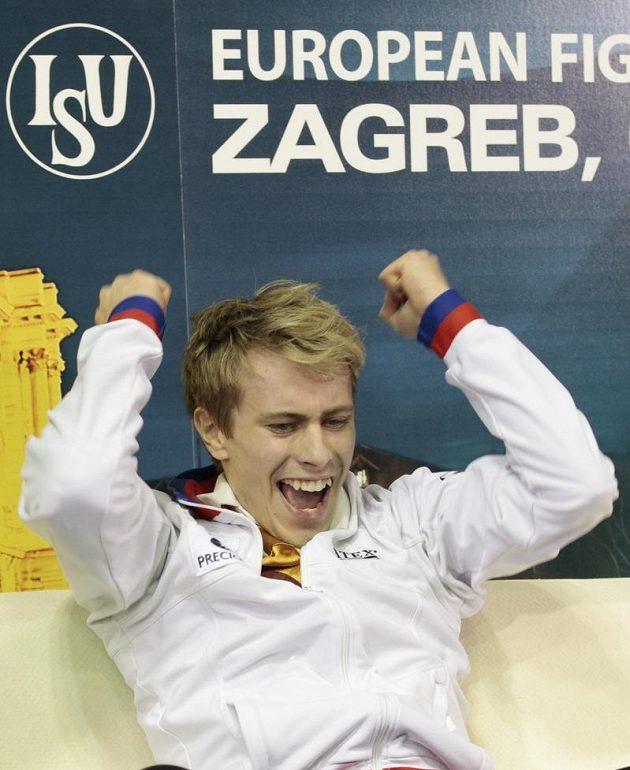 Krasobruslař Michal Březina se raduje, na mistrovství Evropy vybojoval bronzovou medaili.