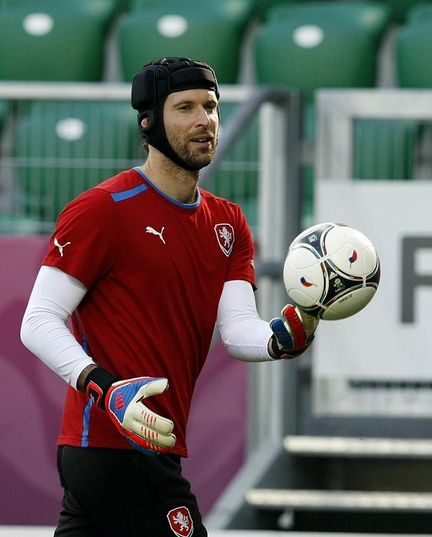 Petr Čech na tréninku fotbalové reprezentace před zápasem s Polskem