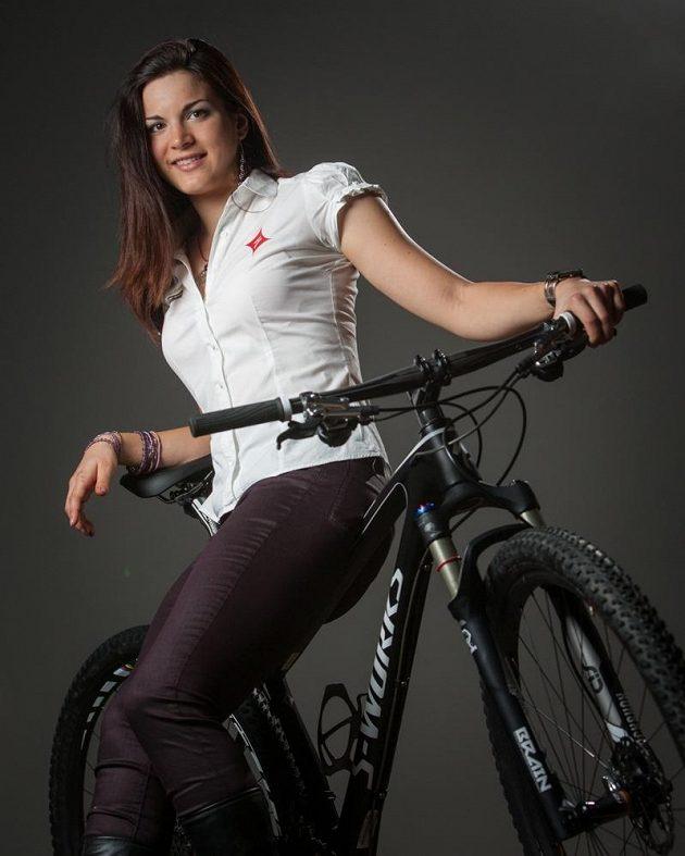 Bikerka Tereza Huříková bude jezdit za americkou stáj Specialized Racing.