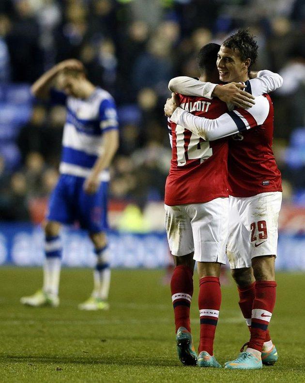 A gól zajišťující prodloužení zařídil hrdina večera Theo Walcott (vlevo).