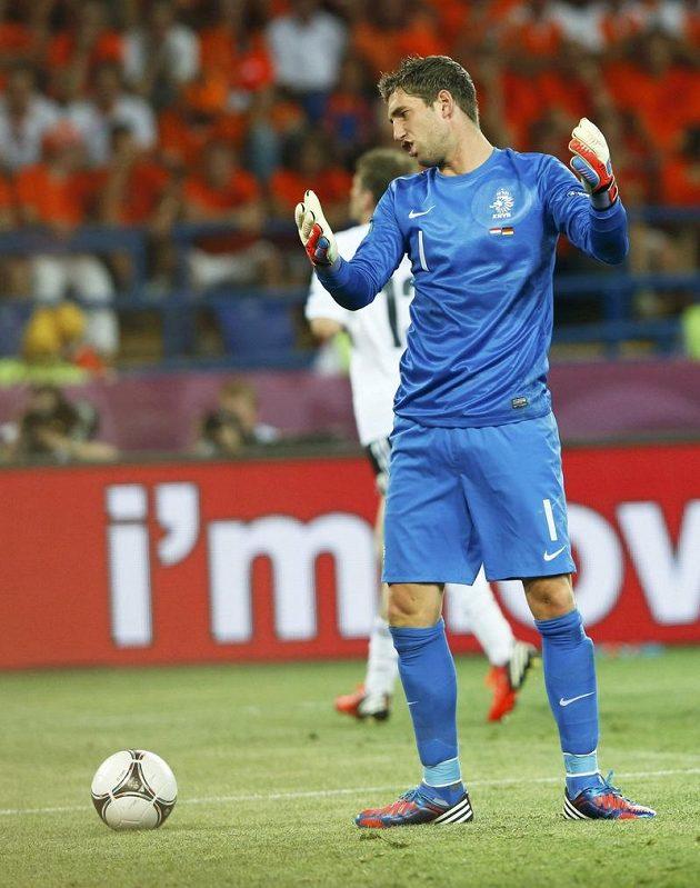 Zničený nizozemský brankář Maarten Stekelenburg poté, co v utkání s Německem inkasoval druhý gól