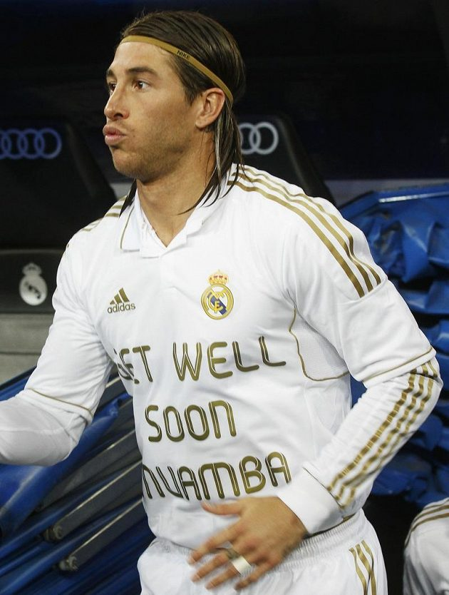 Sergio Ramos s přáním na dresu, aby se Muambovi dařilo dobře