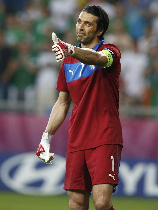 Spokojený brankář Itálie Gianluigi Buffon