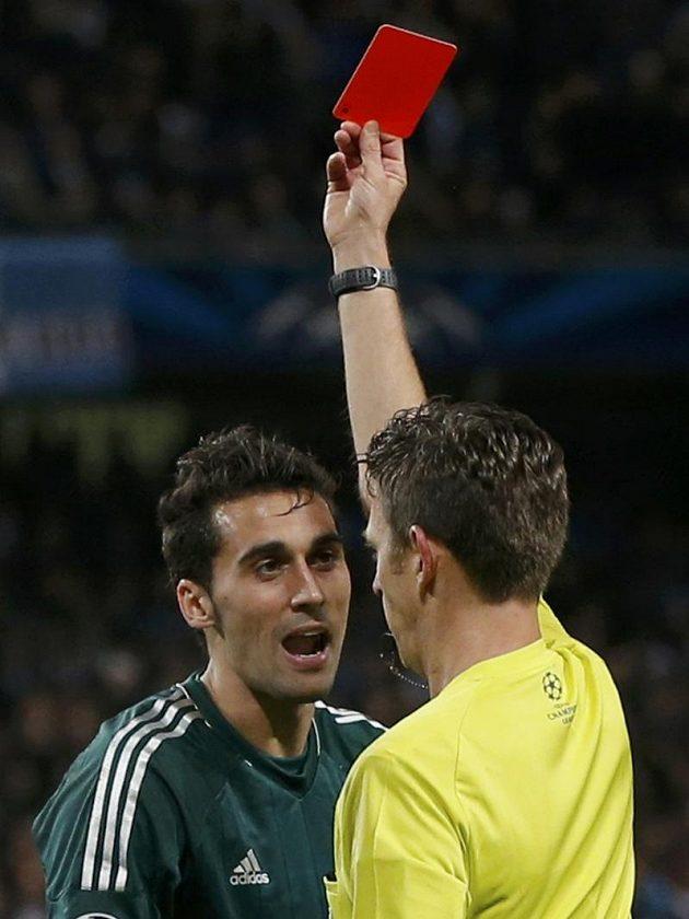Álvaro Arbeloa z Realu Madrid viděl zblízka červenou kartu od sudího Gianluky Rocchiho