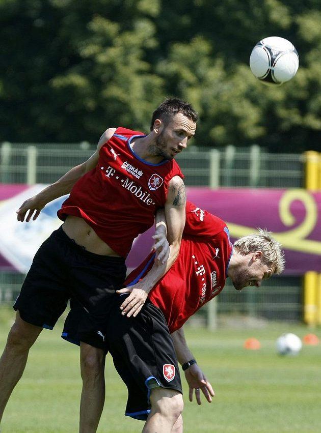 Tomáš Hübschman a Tomáš Sivok na tréninku fotbalové reprezentace v polské Vratislavi