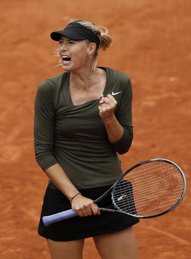 Vítězné gesto Marie Šarapovové