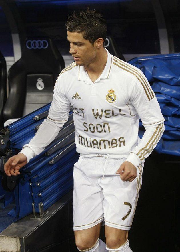 Cristiano Ronaldo poslal podobně jako jeho spoluhráči podporu Muambovi na dálku.