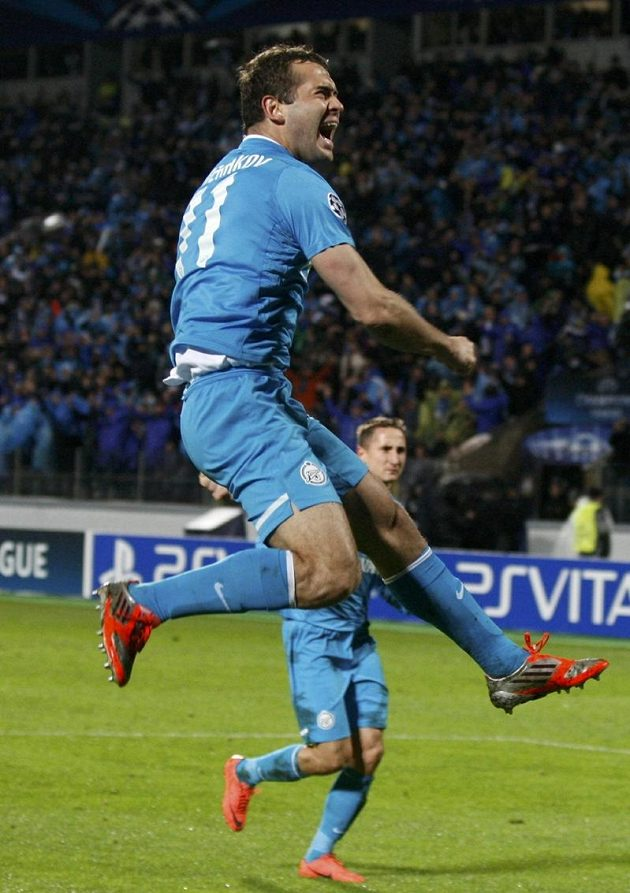 Ruský útočník Aleksandr Keržakov zařídil Petrohradu gólem z penalty výhru nad Anderlechtem Brusel.