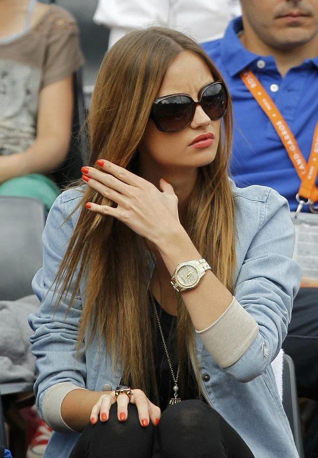 Stejně jako v předchozích duelech na Roland Garros se mohl Tomáš Berdych znovu spolehnout na podporu své přítelkyně Ester Sátorové