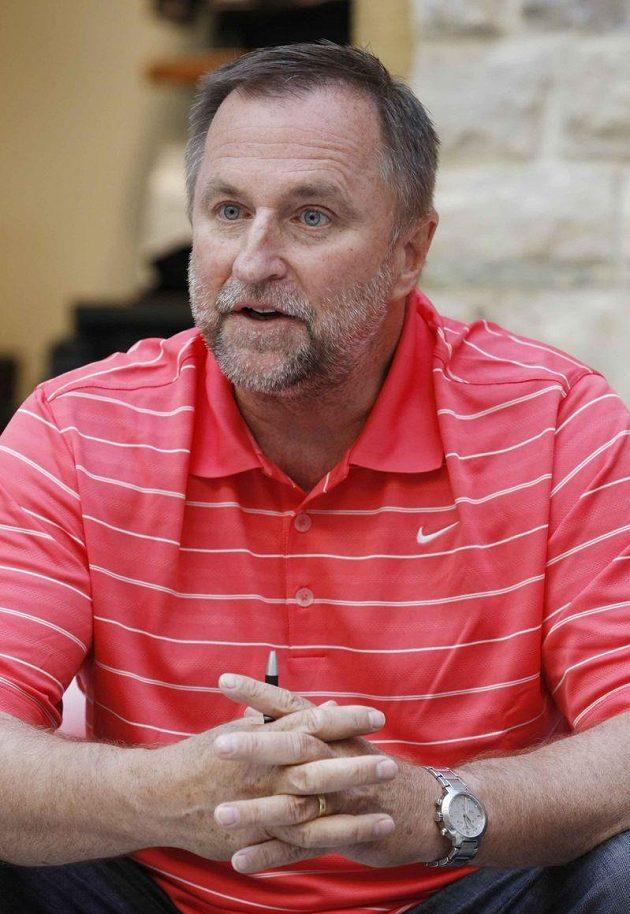 Trenér basketbalistek Lubor Blažek