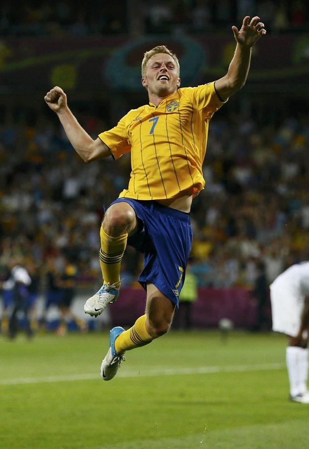 Radost Sebastiana Larssona, jenž druhou trefou v závěru pečetil výhru Švédů nad Francií