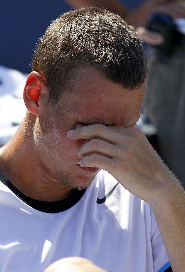 Zklamání Tomáše Berdycha po finálové prohře s Johnem Isnerem