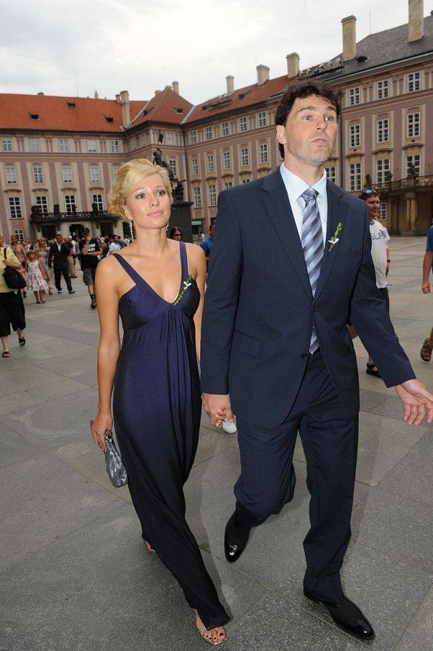 Na svatbu dorazil i Štěpánkův přítel hokejista Jaromír Jágr s tehdejší přítelkyní Innou Puhajkovou.