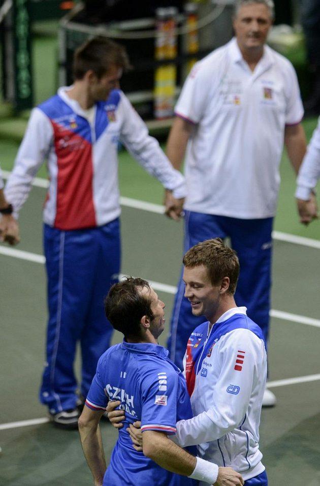Dva daviscupoví hrdinové. Radek Štěpánek (vlevo) a Tomáš Berdych