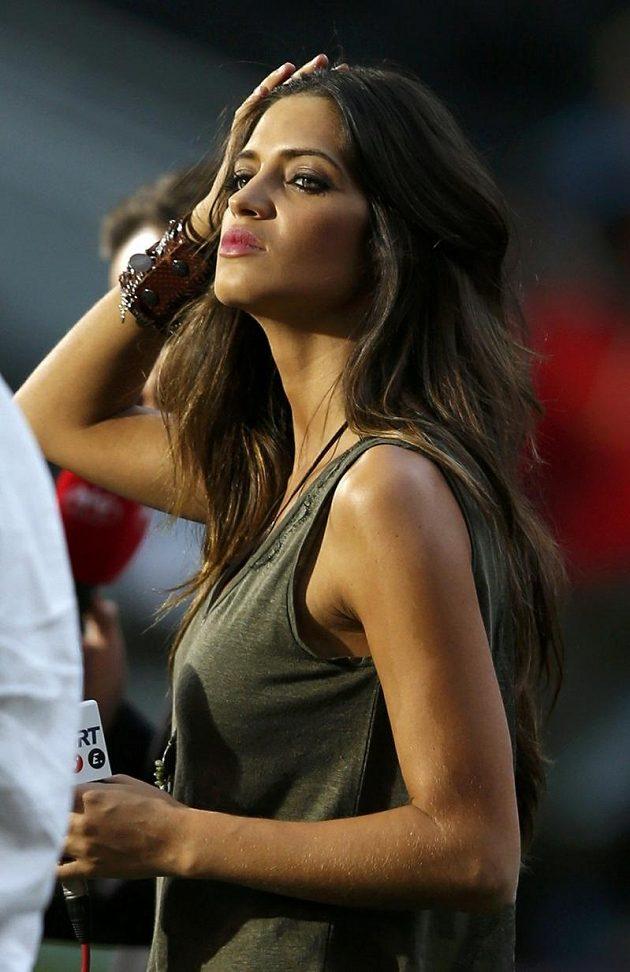 Utkání s napětím sledovala i Sara Carbonero, televizní reportérka a partnerka gólmana španělské reprezentace Ikera Casillase