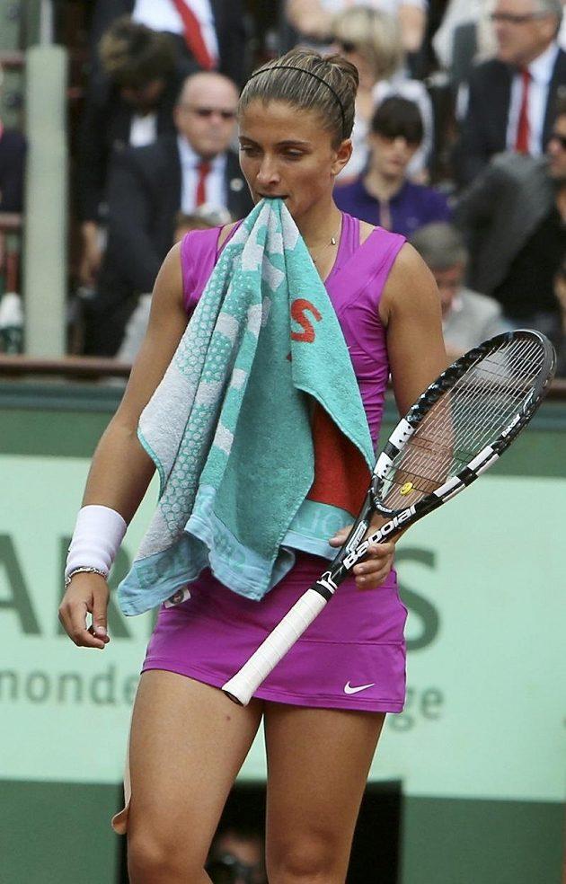 Ani houževnatá Italka Sara Erraniová ve finále nezastavila ruskou favoritku na cestě za triumfem na French Open