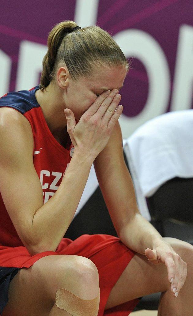 Postup do semifinále nebyl v duelu s Francií nereálný a hráčky vyřazení oplakaly. Na snímku Kateřina Elhotová.