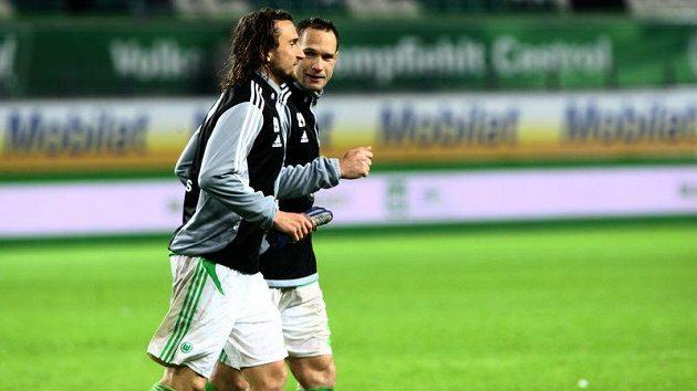 Jan Polák a Petr Jiráček při výklusu po vítězství jeho Wolfsburgu nad Kolínem.